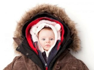 Сыпь на спине и лице у ребенка без температуры и зуда