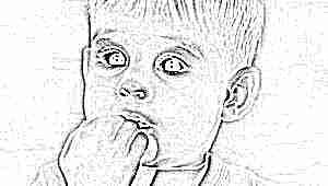 Почему ребенок грызет ногти и что делать - советы психолога