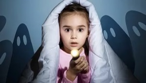 Почему ребенок боится темноты и что делать - советы психолога