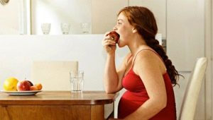Как и чем питается ребенок в утробе матери?