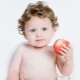 Когда и в каком виде можно давать яблоко грудничку?