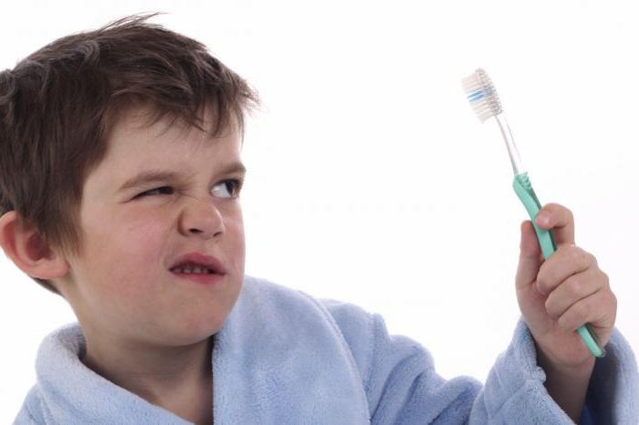 Травма десен у ребенка
