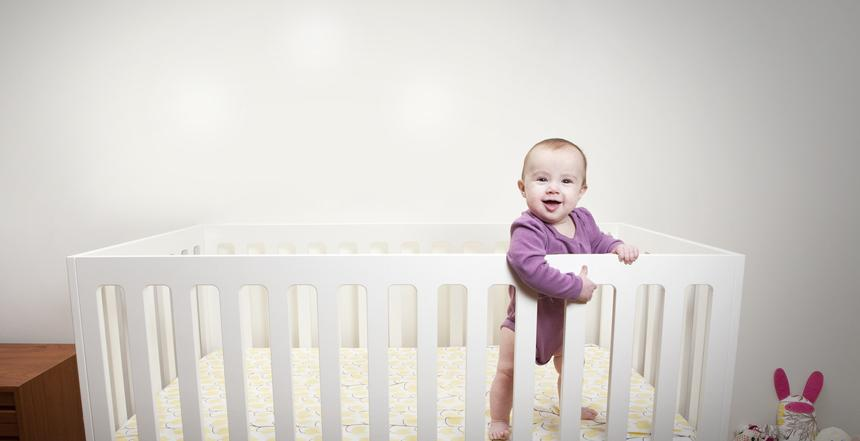 Как выбрать детскую кроватку: какую кровать выбрать для ребенка?