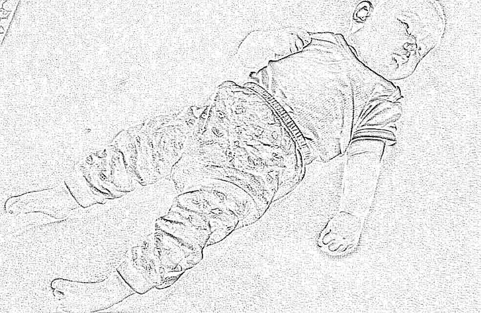 Ребенок дергается во сне, дергает руками и ногами: опасно ли это?