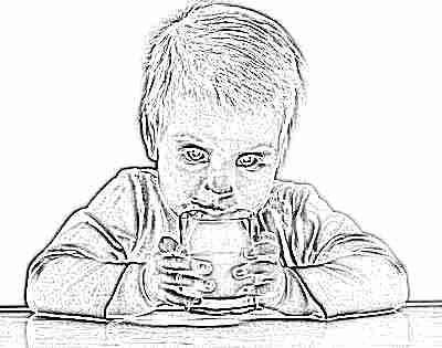 Детям до года коровье молоко нельзя