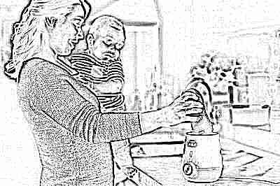 Разогрев грудного молока в подогревателе бутылочек