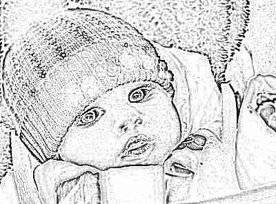 Маленькая девочка в шапке и куртке