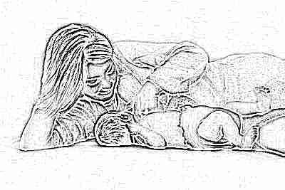 Прикладывание малыша к груди с рождения