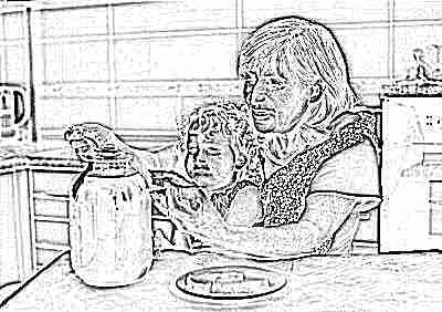 Мед ест ребенок