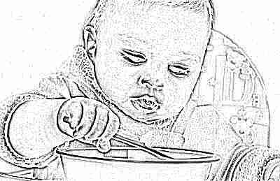 Ребенок с продуктами в 10 месяцев