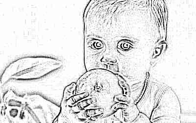 Ребенок в 2 года с яблоком