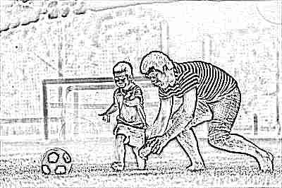 Активные игры ребенка с папой в мяч