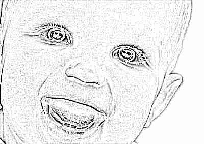 Малыш улыбается, 2 зуба