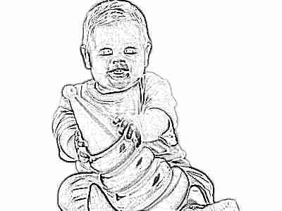 Ребенок играет в пирамидку в 10 месяцев