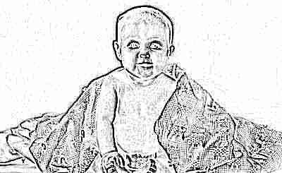 Ребенок сидит в 6 месяцев