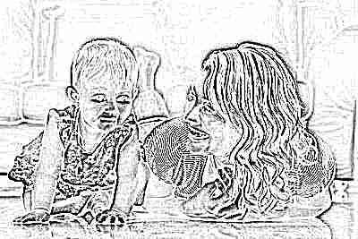 Ползание ребенка в 9 месяцев с мамой