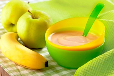 Яблочно-банановое пюре для прикорма ребенка