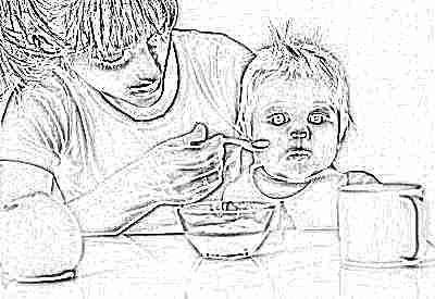 Морковное пюре ест ребенок