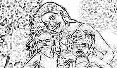 Мама с детьми 4 лет