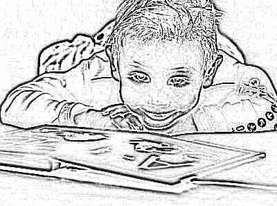 Ребенок в 4 года с книгой