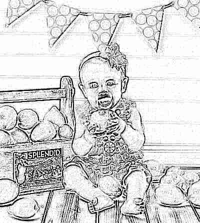 Ребенок с лимоном
