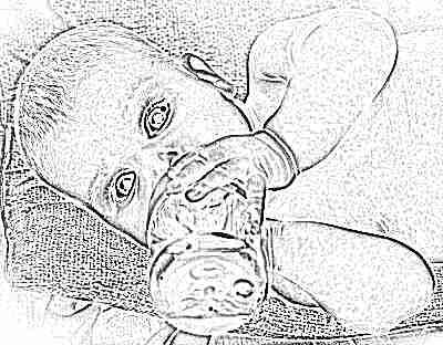 Грудничок пьет детский чай