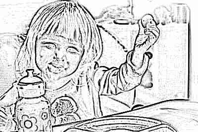 Ребенок ест яйца в прикорм