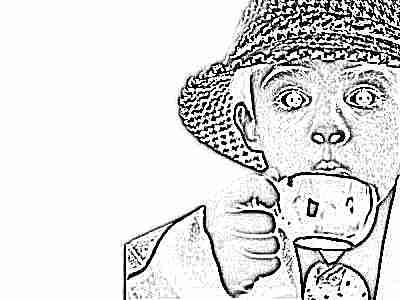 Кофе пьет ребенок