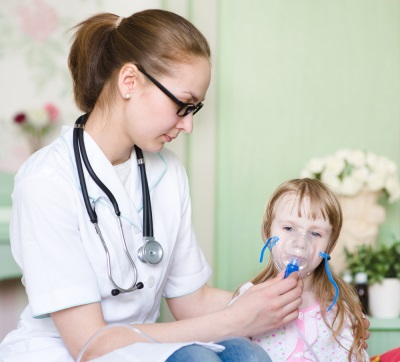 Ингаляция ребенка в больнице