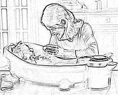 Первое время купание ребенка