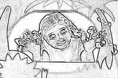 Ребенок играет в пальчиковый театр