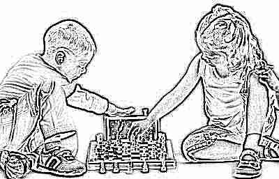 Дети в кружках играют в шахматы