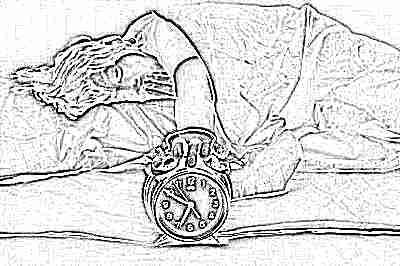 Ребенок просыпается с будильником