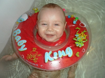 Круг Baby-Krug на шею для купания новорожденных