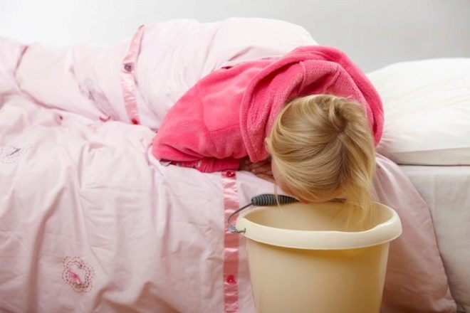 Тошнота у ребенка без температуры и поноса что делать 179